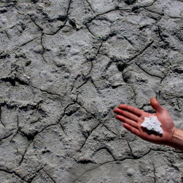 sol z jeziora akrotiri cypr